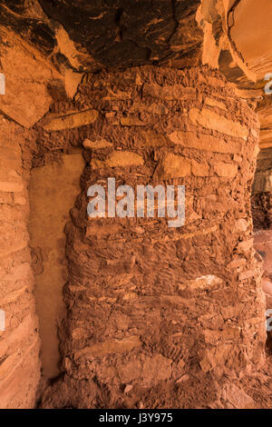Construction detail of Fallen Roof Ruin, showing ancient fingerprints in the mud mortar, with its dramatic evidence - Stock Photo