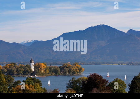 Sailing boats on Chiemsee at Fraueninsel, near Gstadt, Chiemsee, Chiemgau region, Bavaria, Germany - Stock Photo