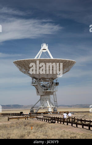 Datil, New Mexico - The Very Large Array radio telescope consists of 27 large dish antennas like this one on the - Stock Photo
