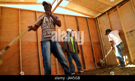 FILE - A file picture dated 08 March 2017 shows Haitian migrants building a hut near Tijuana, Mexico. Thousands - Stock Photo