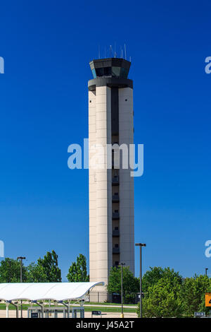 Rdu airport air traffic control tower stock photo 140259246 alamy rdu airport air traffic control tower stock photo publicscrutiny Images