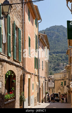alleyway at the town centre of Valldemossa, Majorca, Spain - Stock Photo