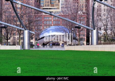 The Chicago landmark sculpture, 'Cloud Gate' which is also affectionately known in the city as 'The Bean.' Chicago, - Stock Photo