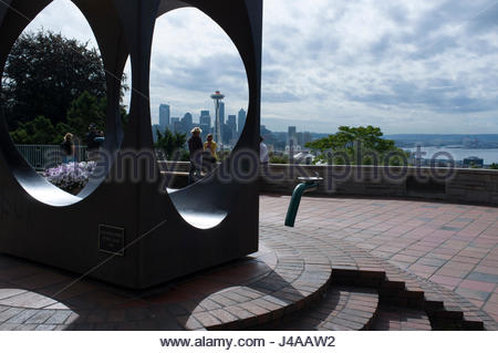 The Space Needle seen through the sculpture 'Changing Form' by Doris Chase, Kerry Park Viewpoint, Queen Anne Hill, - Stock Photo