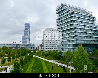 Urban growth around the Parc Martin Luther King in the Clichy-Batignolles eco district, including the new Palais de Justice. Paris, France Stock Photo