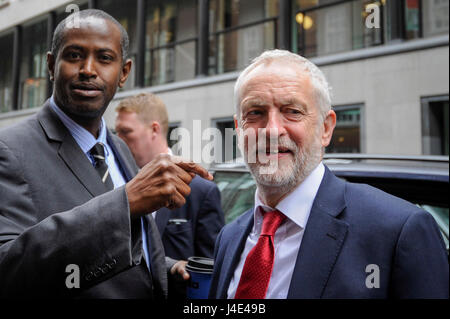 London, UK. 12th May, 2017. Jeremy Corbyn, leader of the Labour Party, arrives at Chatham House to give a speech - Stock Photo