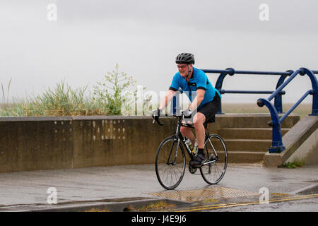 Southport, Merseyside, UK.  UK Weather.13th May, 2017. Weekend washout with heavy outbreaks of rain in the resort. - Stock Photo