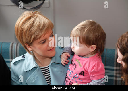 Patrick Glasgow 13 May 2017. First Minister Nicola Sturgeon campaigning in Patrick Glasgow. Credit: ALAN OLIVER/Alamy - Stock Photo