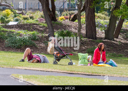 Southport, Merseyside, 13th May 2017. UK Weather.  A hot & sunny day over the north west of England as tourists - Stock Photo