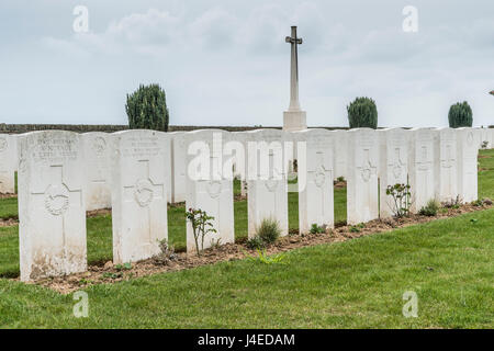 The British military cemetery of Vaulx Hill on the Somme Battlefield of Northern France with a row of New Zealand - Stock Photo