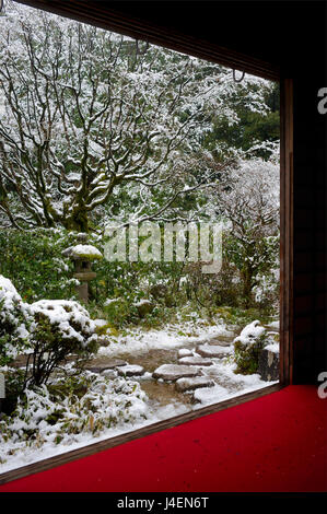 Koto-in Temple garden in snow, Kyoto, Japan, Asia - Stock Photo