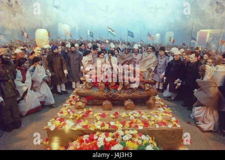 cremation of mahatma gandhi 1948 delhi india left to