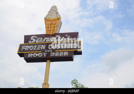 Sign for Sandy's Frozen Custard and Root Beer in Austin, Texas, a 1950s fast food joint - Stock Photo
