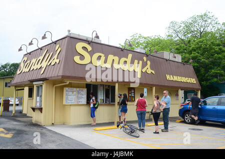 Sandy's Frozen Custard and Root Beer cafe in Austin, Texas, a fast food joint dating from the 1950s - Stock Photo