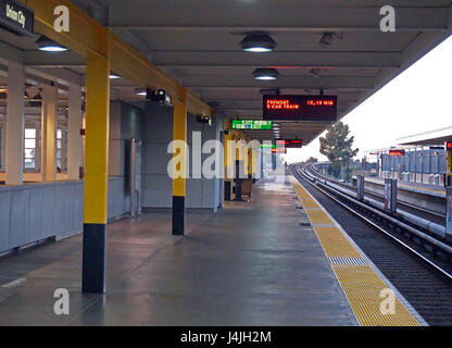 BART, Bay Area Rapid Transit, Union City station boarding platform San Francisco Bay area, California, USA - Stock Photo