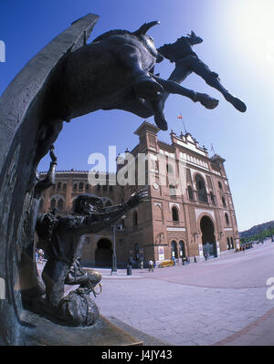 Spain Madrid Reading Ventas statue bullfight arena bull bullfighter Stock Pho...