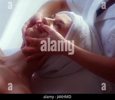 Masseuse, detail, hands, woman, facial massage cosmetics, wellness, massage, facial care, massage, détente, Beauty, - Stock Photo