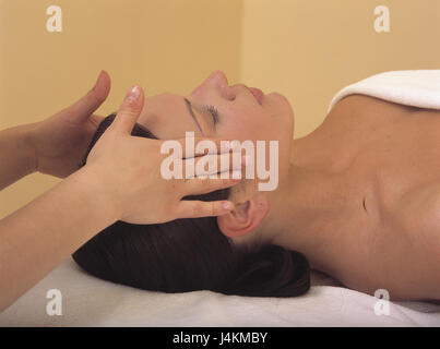 Masseuse, detail, hands, woman, facial massage massage, therapy, woman, massage, rest, relief, détente, are relaxing, - Stock Photo