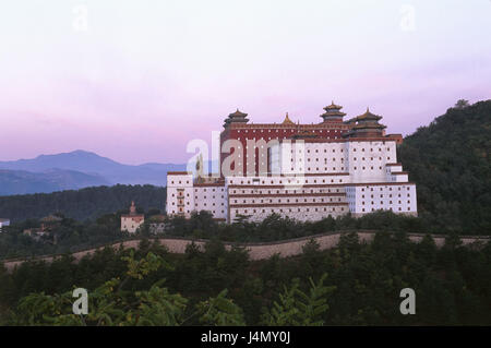 China, Hebei Province, Chengde, temple attachment, dusk Asia, Eastern Asia, Nordostchina, place of interest, culture, - Stock Photo