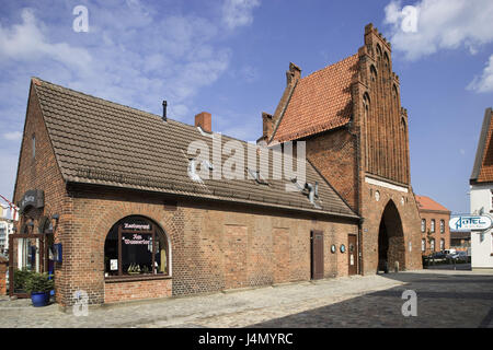 Germany, Mecklenburg-West Pomerania, Hanseatic town Wismar, water gate, in the mountain Loh, - Stock Photo