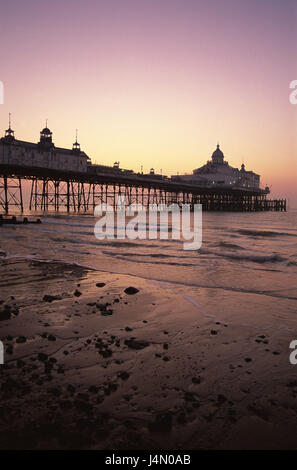 Great Britain, England, Sussex, Eastbourne, pier, evening tuning, - Stock Photo