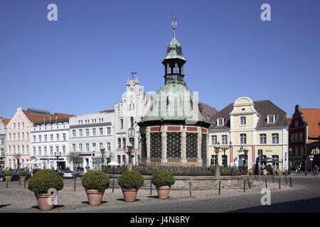 Germany, Mecklenburg-West Pomerania, Wismar, in the market, water art, - Stock Photo
