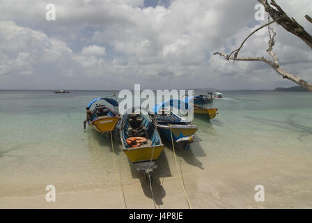 Boots, coast, Indian ocean, Havelock Insel, Andamanen, India, - Stock Photo