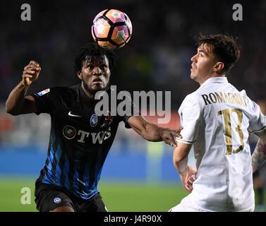 Bergamo, Italy. 13th May, 2017. Atalanta's Frank Kessie (L) competes with AC Milan's Alessio Romagnoli during the - Stock Photo