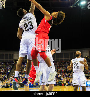 O2 Arena, London, UK, 14th May 2017. Eagles' Orland Jackman (23 defends under the basketTensions run high at the - Stock Photo