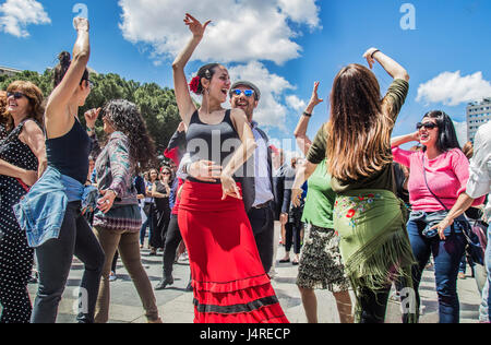 Madrid, Spain. 14th May, 2017. world guinness workshop dance flamenco was celebrated in the plaza colon of madrid, - Stock Photo