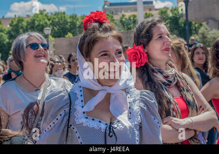 Madrid, Spain. 14th May, 2017. Madrid beat the world record for higher number of people dancing flamenco in one - Stock Photo