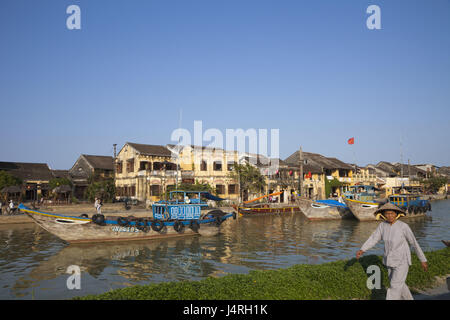 Vietnam, Hoi In, town view and Thu voucher flux, boats, woman, no model release, - Stock Photo