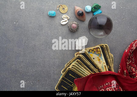 Composition of esoteric objects, used for healing and fortune-telling - Stock Photo