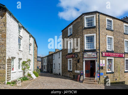Cobbled street in the traditional English village of Dent, Dentdale, Yorkshire Dales National Park, North Yorkshire, - Stock Photo