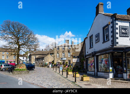 The Square in the  traditional English village of Grassington, Wharfedale, Yorkshire Dales National Park, North - Stock Photo