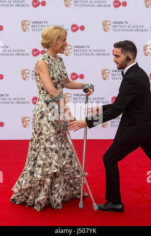 Lonodn, UK. 14 May 2017. Actress Gillian Anderson arrives on crutches for the Virgin TV British Academy Television - Stock Photo
