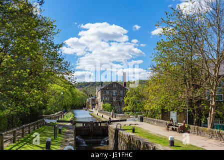 Lock on the Rochdale Canal, Hebden Bridge, West Yorkshire, England, UK. - Stock Photo