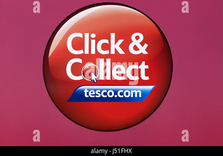 tesco click and collect point in supermarket car park reading stock photo 61050980 alamy. Black Bedroom Furniture Sets. Home Design Ideas