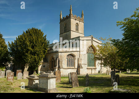 Spring afternoon at St Edward's church in Stow-on-the-Wold, the Cotswolds, Gloucestershire. - Stock Photo