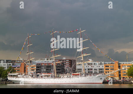 Amsterdam, Netherlands. 19th Aug, 2015. SAIL Amsterdam 2015, Sail In Parade on first day (of 5, 19th to 23th Aug) - Stock Photo
