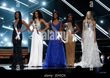 Miss New Jersey USA, Chhavi Verg, Miss District of Columbia USA, Kara McCullough, Miss South Carolina USA, Megan - Stock Photo