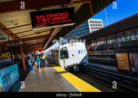 San Francisco BART train arriving at Walnut Creek. 'Bay Area Rapid Transit' train system servicing San Francisco - Stock Photo