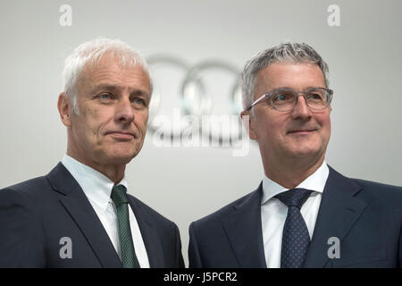 Neckarsulm, Germany. 18th May, 2017. Matthias Mueller (l), CEO of Audi AG, and Rupert Stadler, chairman of the board, - Stock Photo