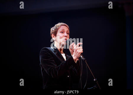 Edinburgh, Scotland, UK. 17th May 2017. Stacey Kent performs on stage at The Queen's Hall theatre in Edinburgh. - Stock Photo