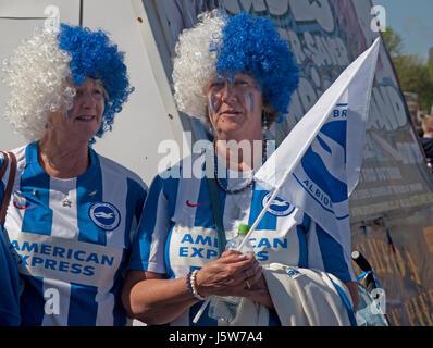 Citizens of Brighton celebrate their football team's promotion to the Premier League - Stock Photo
