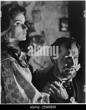 Debra Paget, Vincent Price, on-set of the Film, 'The Haunted Palace', 1963 - Stock Photo