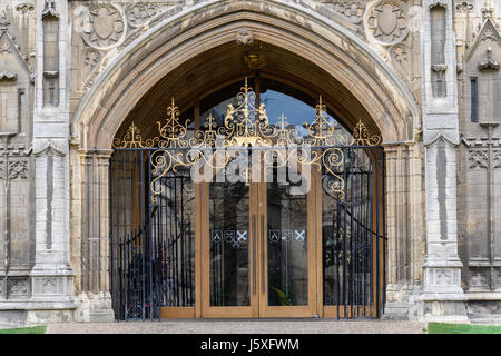 Entrance door at the west facade of the medieval christian cathedral at Peterborough, England. - Stock Photo