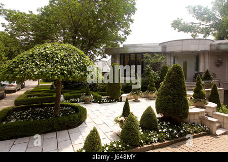 Maison luxueuse du  quartier  Westmount, Montreal *** Luxurious house in Westmount district, Montreal. - Stock Photo