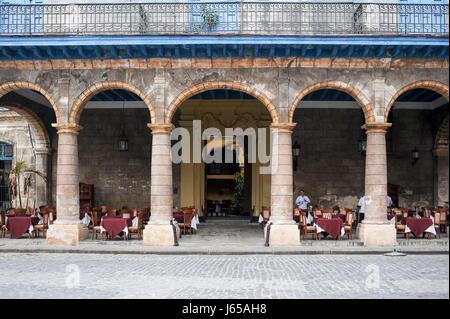 Case del Marques de Aguas Claras, now restaurant El Patio in          Plaza de la Catedral in old Havana, Cuba - Stock Photo