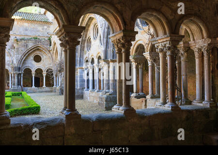 France, Aude, Narbonne, Fontfroide Abbey, the cloister - Stock Photo